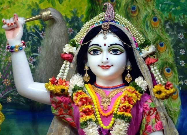 ISKCON Nasik Deity Darshan 02 April 2016  (4)