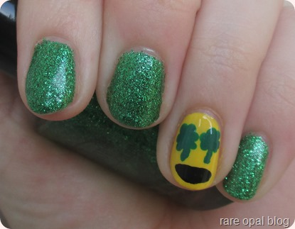 Shamrock Emoji Nails nail art nailart shamrocks st.patricks day paddys green glitter color club