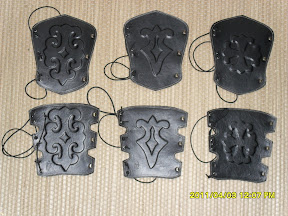 Arm guards with pattern I: anti allergic material on the backside