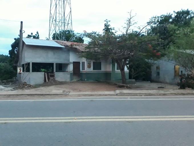 Em Monte Alegre no Pará, moradores desistem de esperar pelo Poder Público e ampliam posto de saúde.