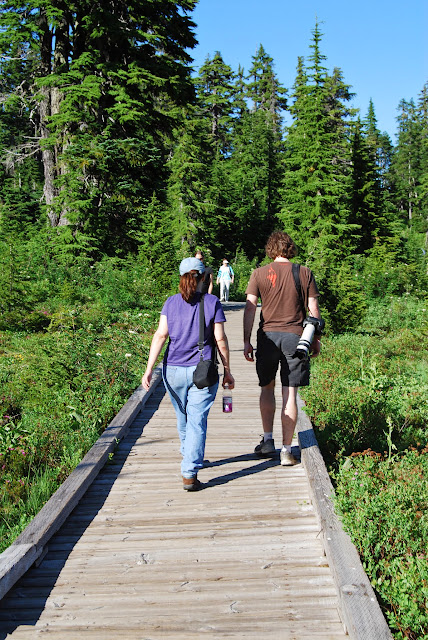 Walking along Picture Lake on a gorgeous summer day / Credit: Bellingham Whatcom County Tourism