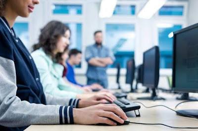 ما هو افضل تخصص حاسوب في الجامعة؟ اول سنة جامعة