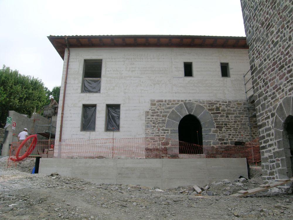 Reconstruccion Torre de Uriz - DSCN8864.JPG