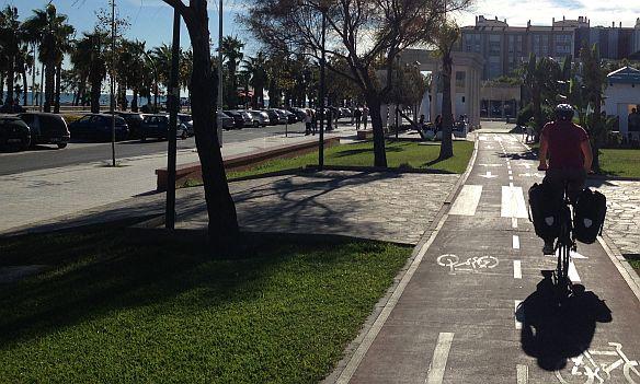 Radweg in Malaga, Andalusien