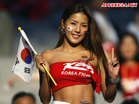 Dáng vóc bốc lửa của mỹ nhân múa cột 45 tuổi xứ Hàn