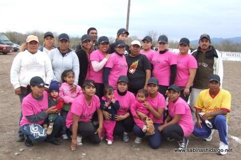 Equipo Pekes de Bustamante del torneo de softbol femenil del Club Sertoma