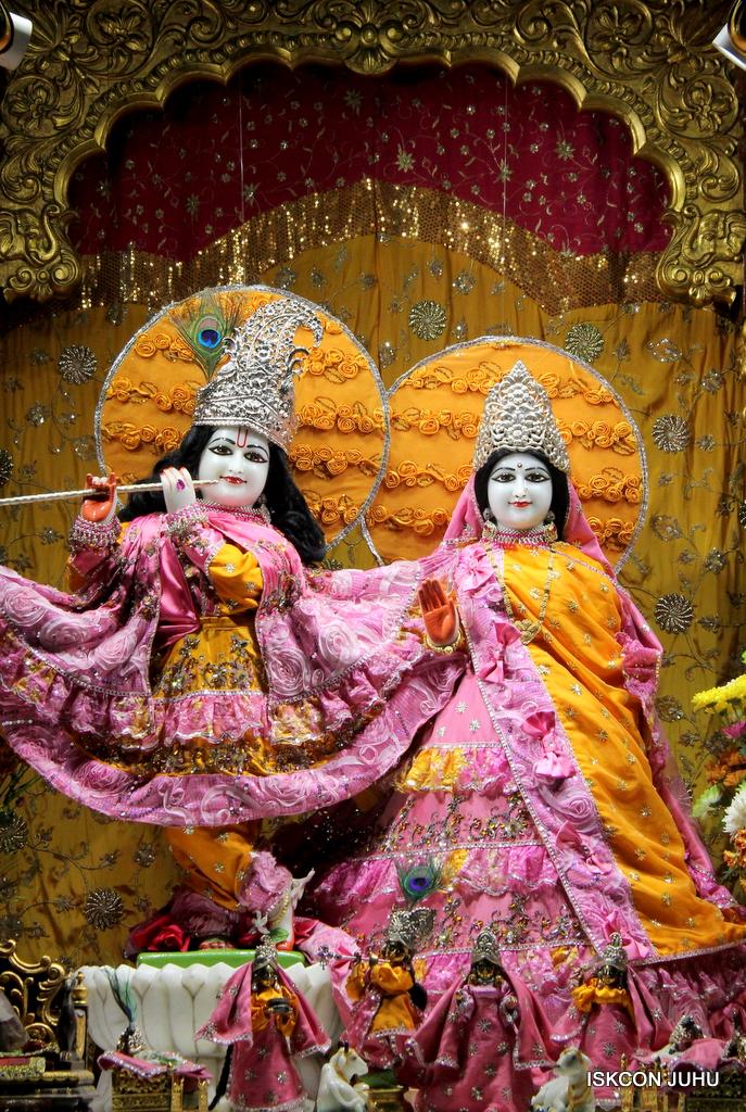 ISKCON Juhu Mangal Deity Darshan on 30th Dec 2016 (15)