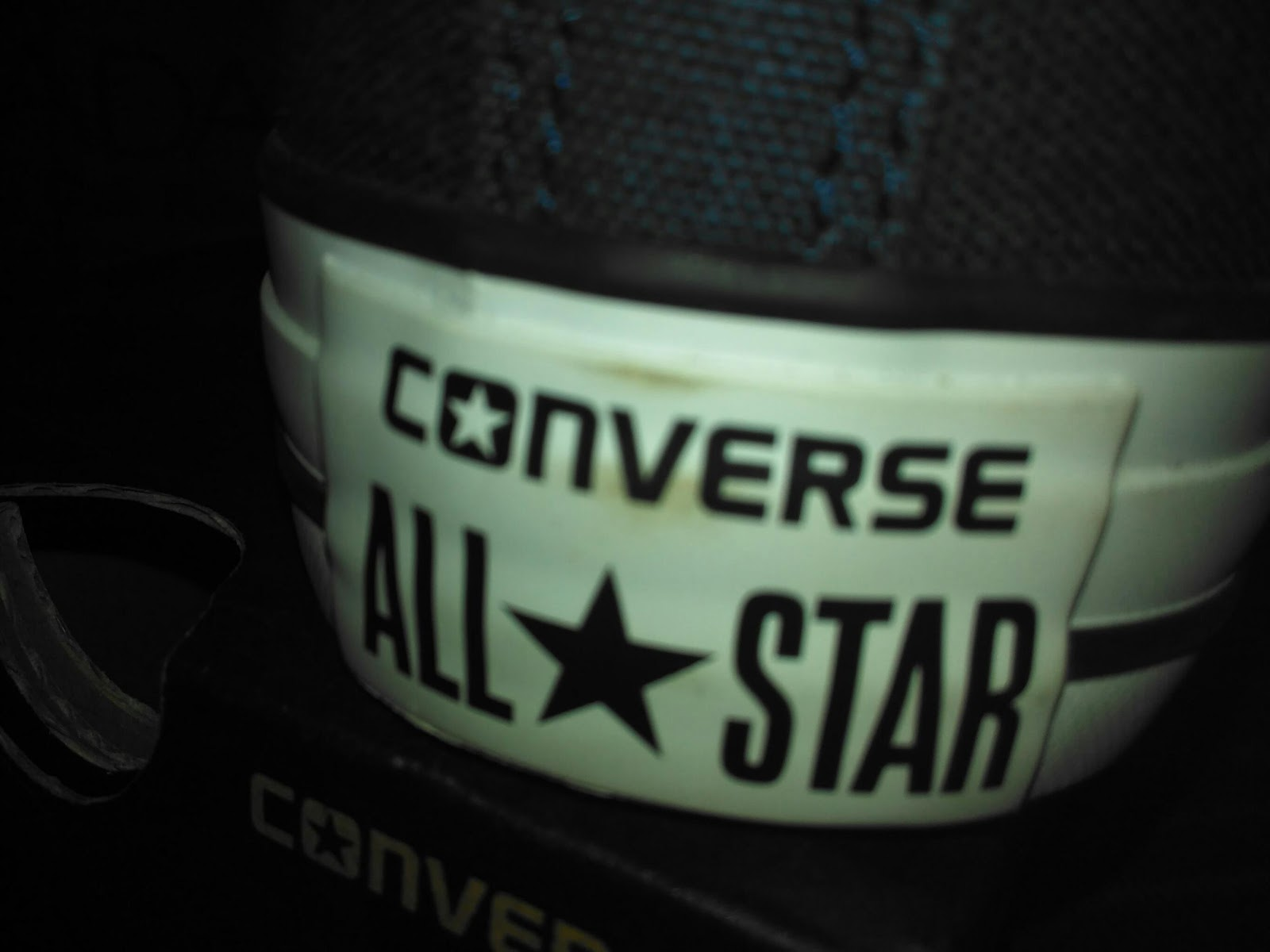f599c48f34e7 Produk yang saya beli adalah sepatu Converse Chuck Taylor All Star Ox  Canvas dan jam tangan Casio. Cukup puas saya belanja di Lazada