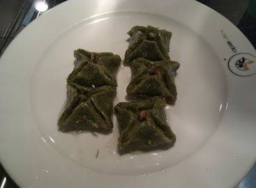 Gelin Bohçası Tatlısı - Ferah Pastanesi - Kahramanmaraş.jpg