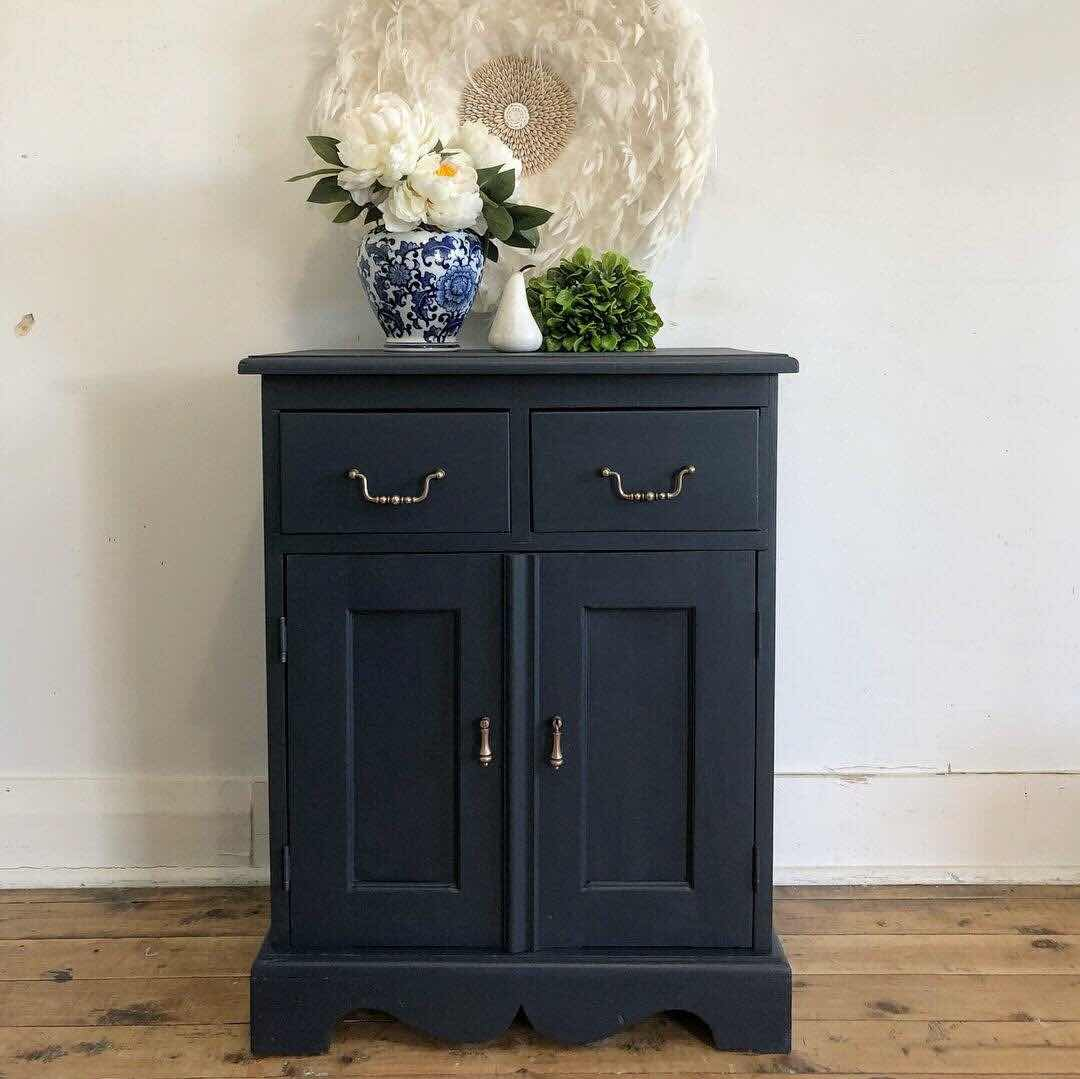 """ Fusion Mineral Paint Midnight Blue lilyfield life"