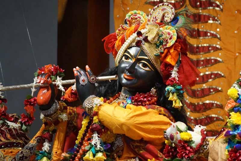 ISKCON Noida Deity Darshan 18 Dec 2015 (1)