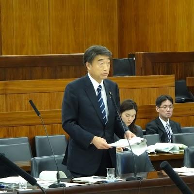 20181115厚生労働委員会質問-08.jpg
