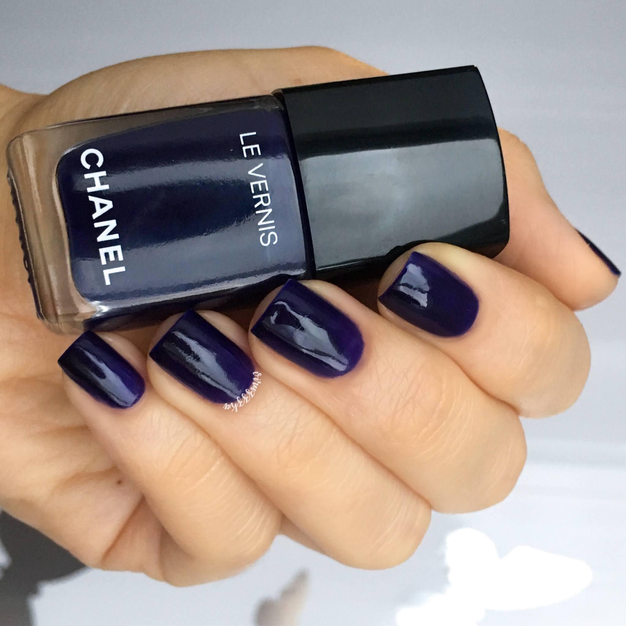 Chanel 622 Violet Piquant Swatch Violet Nails Autumn Manicure Review