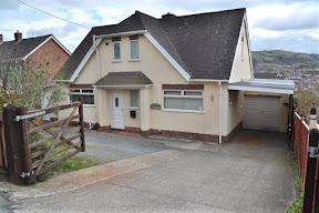 Three-bedroom bungalow for sale