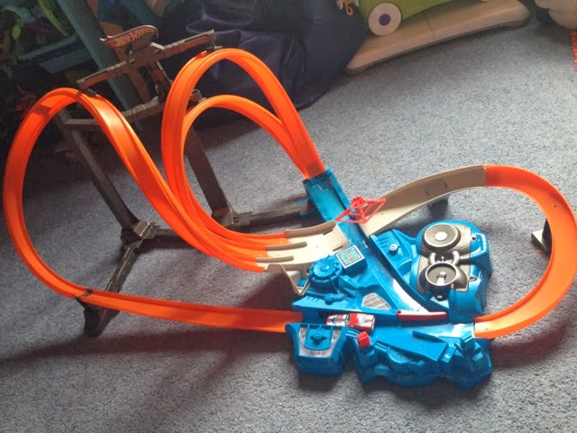 Hot Wheels Triple Track Twister The Mini Mes And Me