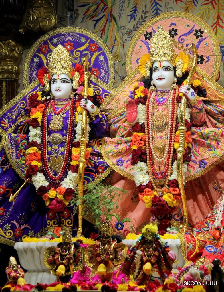 ISKCON Juhu Sringar Deity Drashan on 17th Jan 2017 (2)