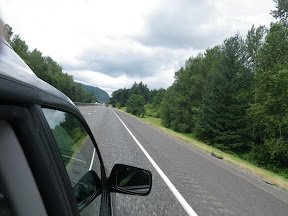shooting the interstate back, which is still super-green - EVEN OUR INTERSTATES ARE WONDERFUL!