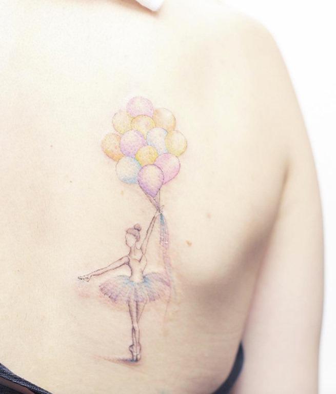 Esta cor pastel bailarina com balões