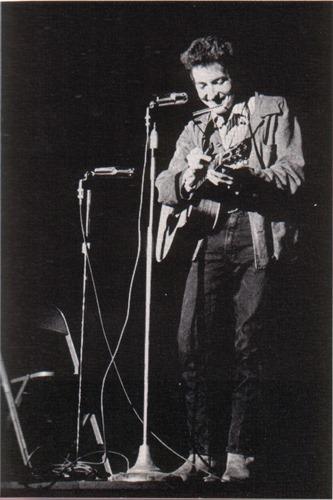Bob_Dylan_in_November_1963