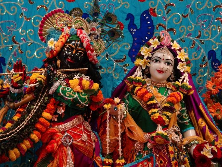 ISKCON Nigdi Deity Darshan 06 Jan 2016 (15)