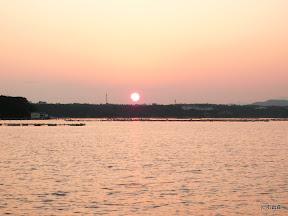 2009/10/4の夕日です。久々にスカッと晴れた日の夕日でした。