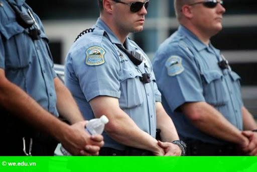 Hình 1: Mỹ đề xuất cải cách hệ thống cảnh sát sau các vụ bắn chết người