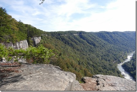 Fayetteville_va_New_river_gorge_NR_endless_wall_trl2
