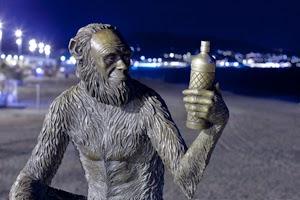 Estatua Anís del Mono_Pont del Petroli_Xavi Llinares