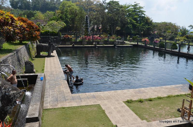 Tirtagangga public bath