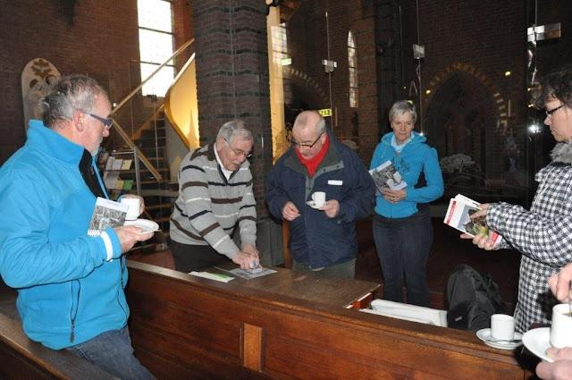 Wandelaars van Camino der Lage Landen in de Martinuskerk - DSC_0051.jpg