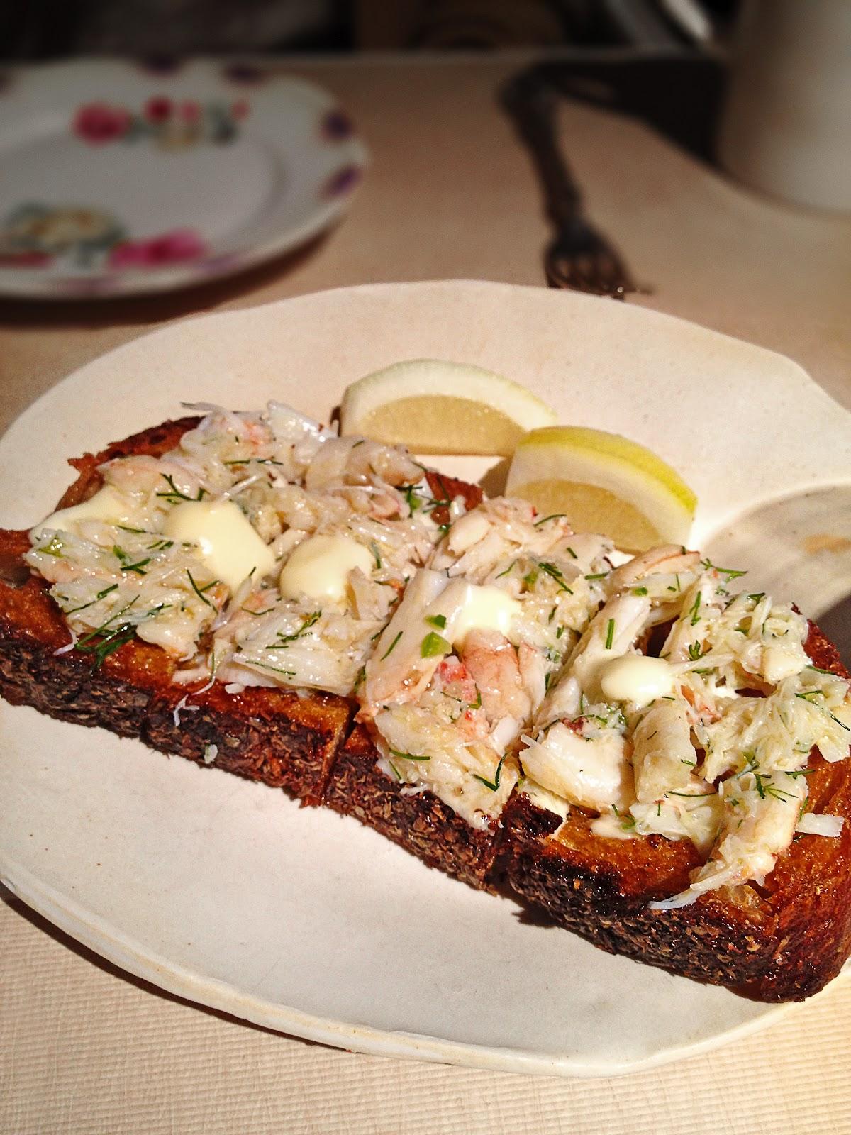 argus guide abc kitchen crab toast with lemon aioli