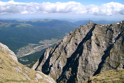 Cruz en la cima del Caraiman