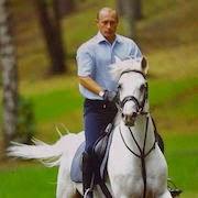 Президент на коне