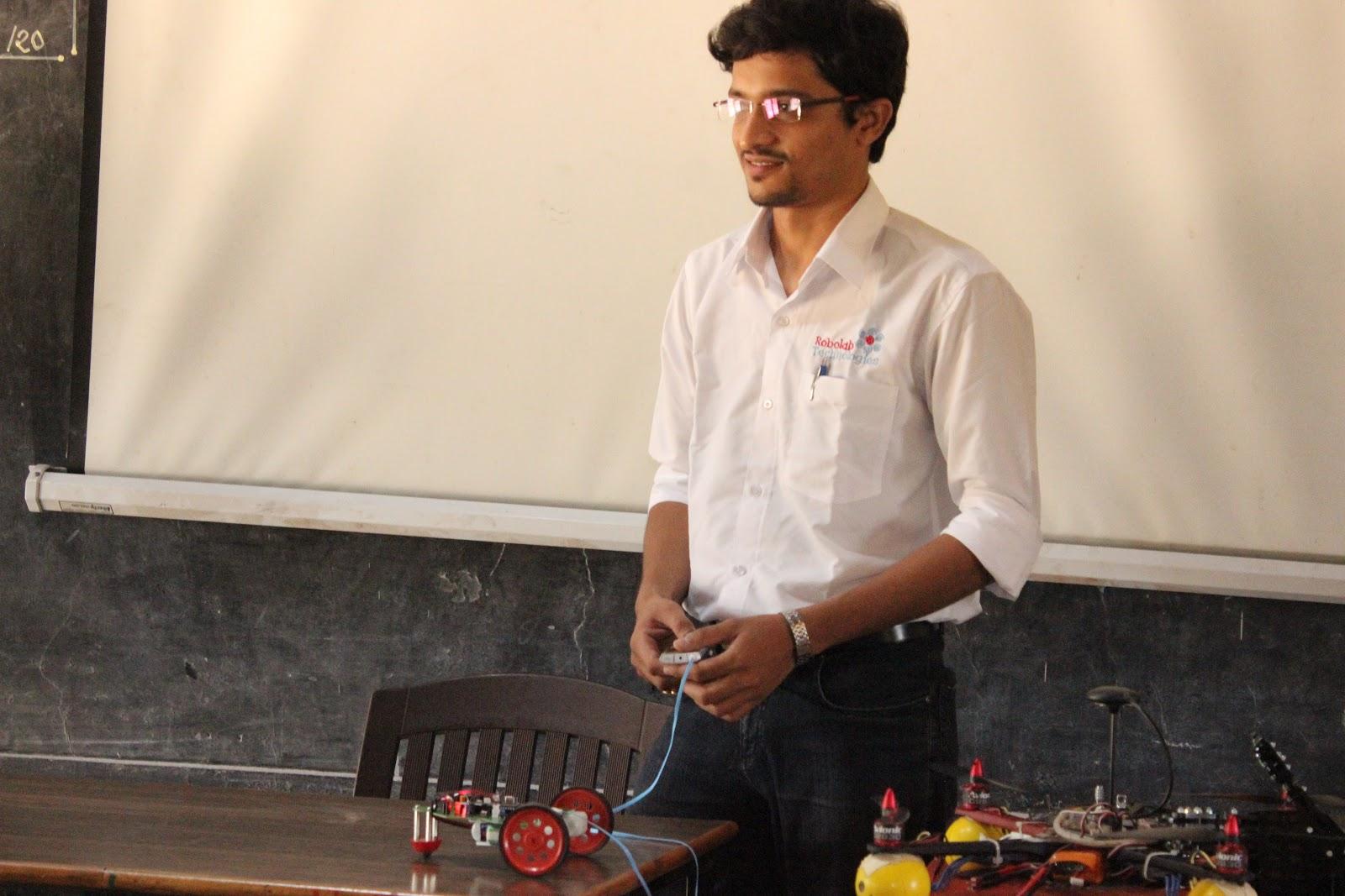 RoboTech Kolhapur Robolab (13).jpg