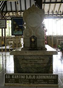 433px-RA_Makam_Kartini.jpg