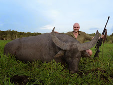 Soren Lindbjerg with a big bodied old bull that is heavily broomed on the tips. A lot of hunters like an old trophy like this, it adds character.