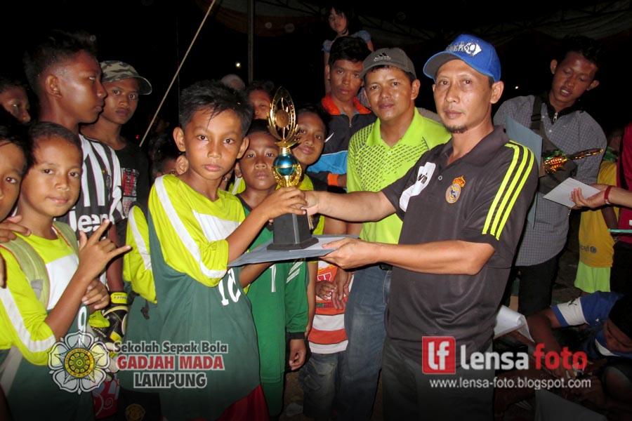 Lensa Media: Hasil Turnamen Sepak Bola Festival Anak