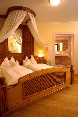 Hotel Heitzmann - Zimmer04.jpg
