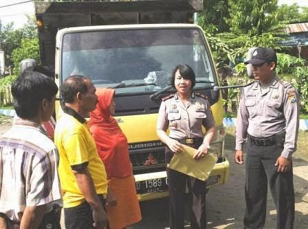 Berita foto Sinar Ngawi terkini adalah sebuah truk ditinggal kabur oleh kawanan pencuri