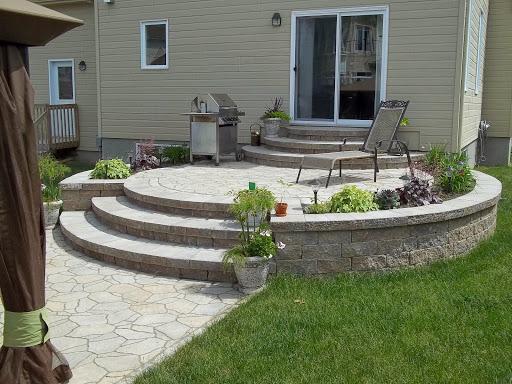 nos terrasses en dalles et en pav uni offrent la qualit et le confort dont vous mritez ajoutez y un balcon en bois en pav uni ou en dalles et votre
