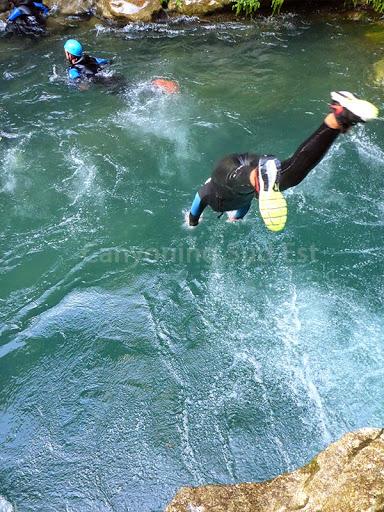 Plongeon - loup canyoning