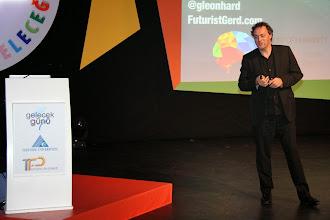 Photo: Konuşmacı Gerd Leonhard konuşmasını yaparken... www.gelecekgunu.org