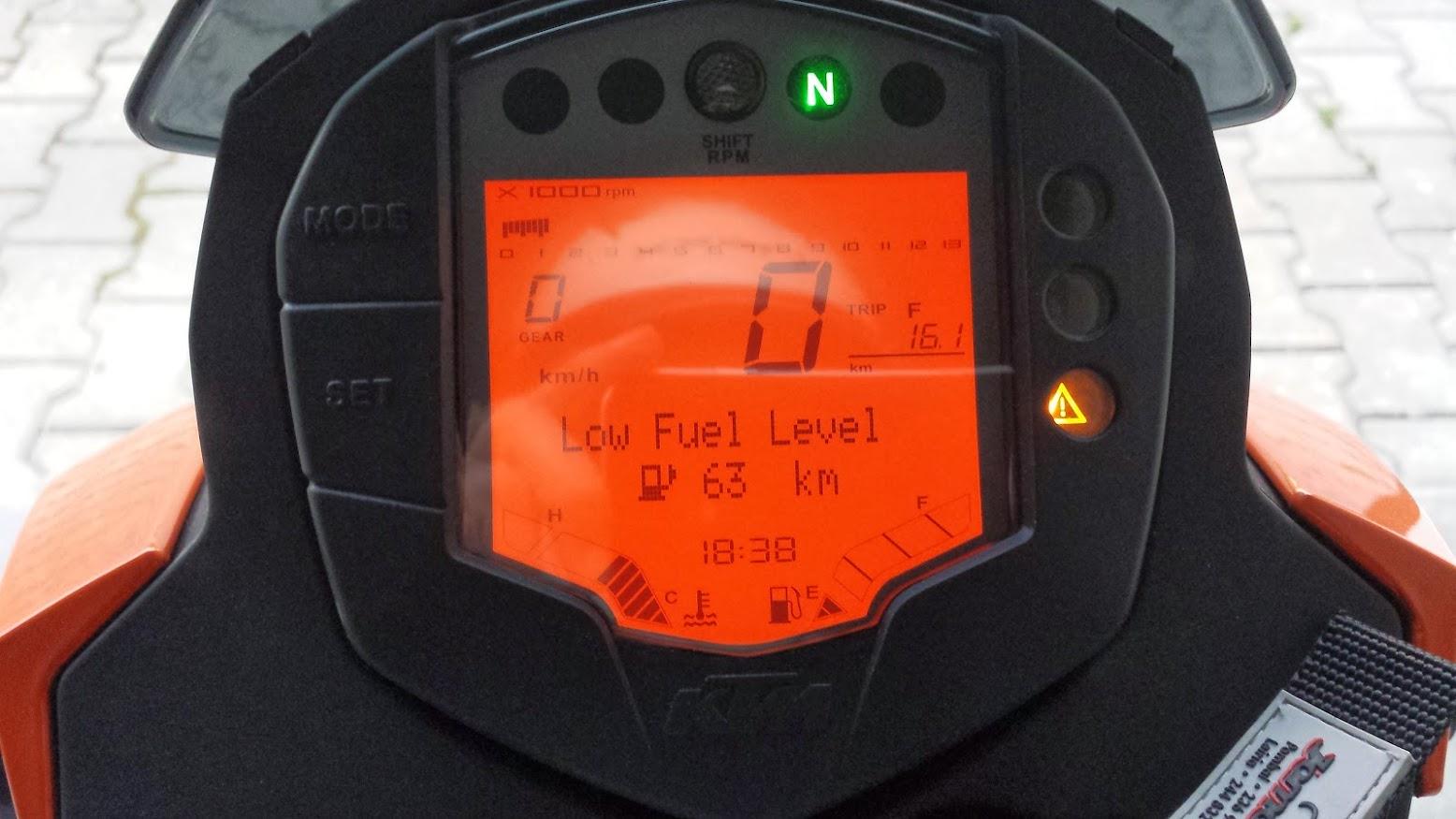 KTM Duke 125 ABS - Leiria 20140329_183852