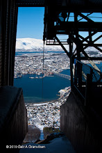 Photo: Tromsø, seen from the cable car's top station on Fløya