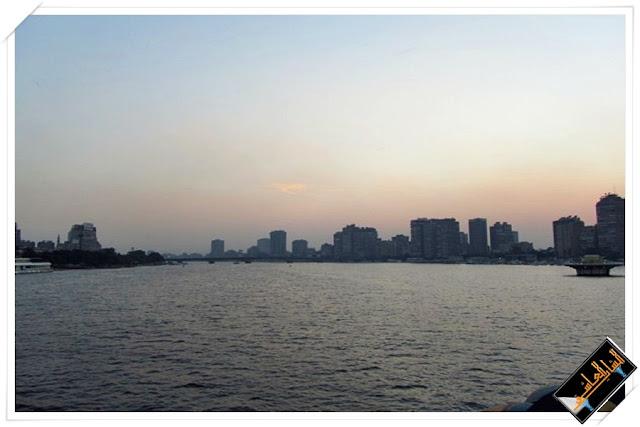 وقت الغروب على نيل مصر
