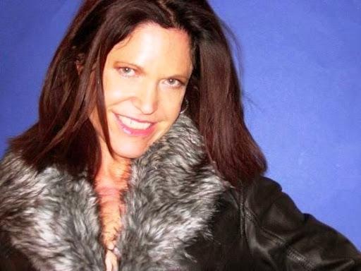 Stephanie Izen Photo 3