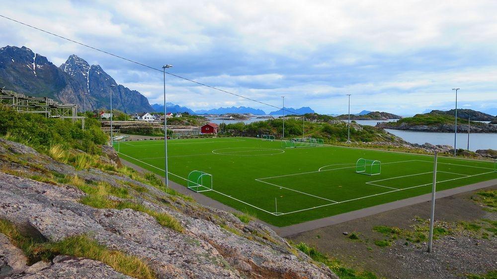 henningsvær-stadion-2