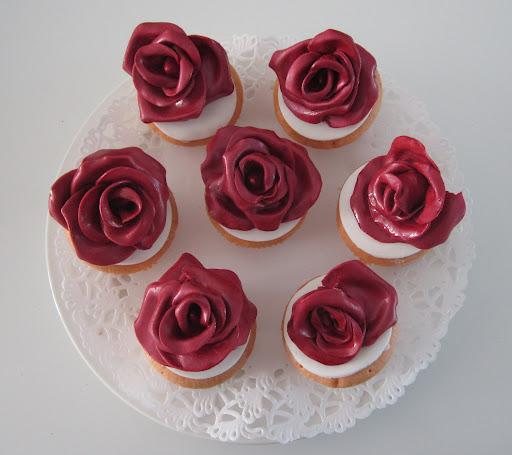 98- Rode Roos cupcake.JPG