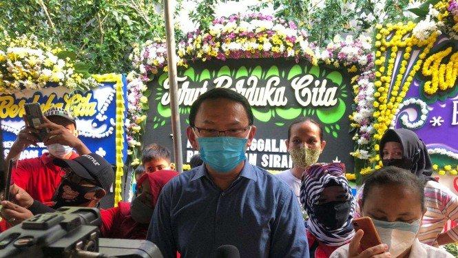 Bertemu Jokowi di Rumah Duka Sabam Sirait, Ahok Kenang Pilgub DKI
