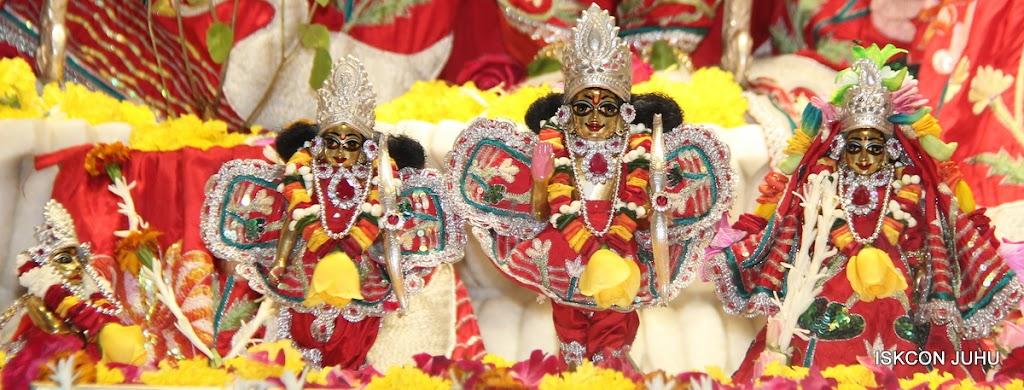 ISKCON Juhu Sringar Deity Darshan on 28th Aug 2016 (35)